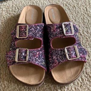 Girls brand new Steve Madden sandals 4